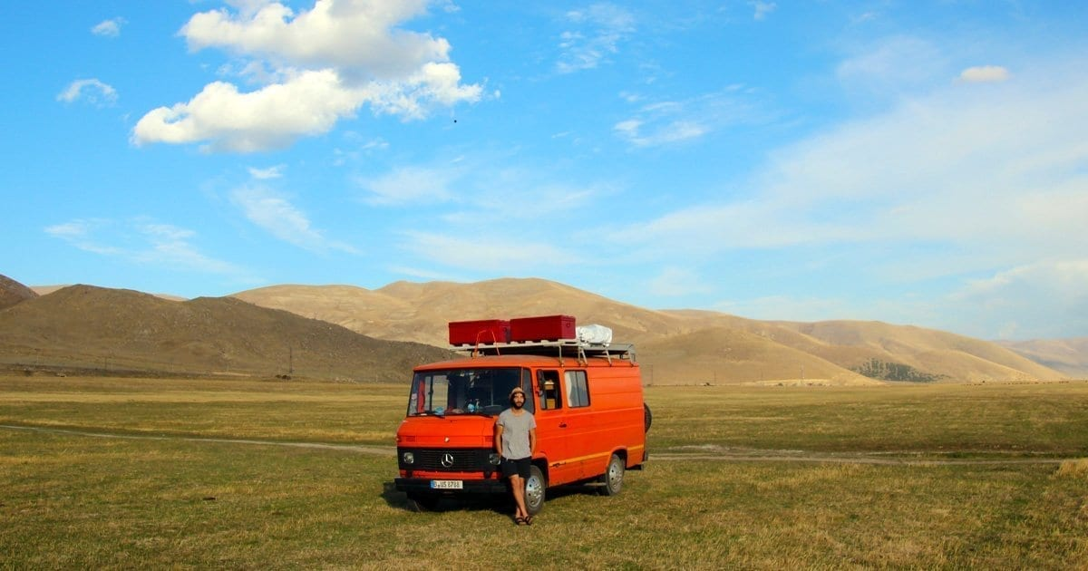 vanlife-camper-van-life-blog-homeiswhereiparkit-camperlife-armenien-passport-diary-road-trip-407d-bus-duedo-emma-orange-van-trip