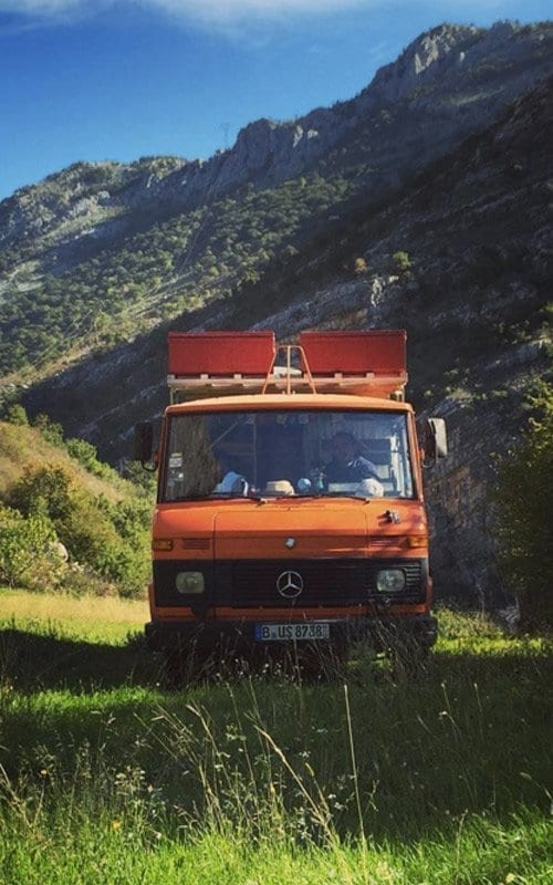 passport-diary-road-trip-407d-bus-duedo-emma-orange-van-trip-montenegro