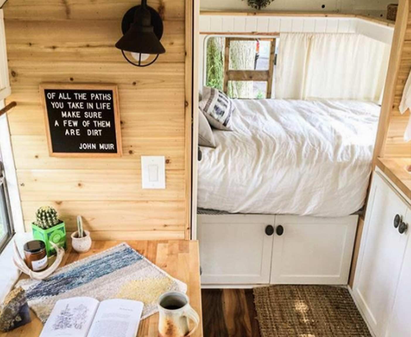 wohnmobil-ausbau-camper-ausbauten-selbstausbau-FerntheBus