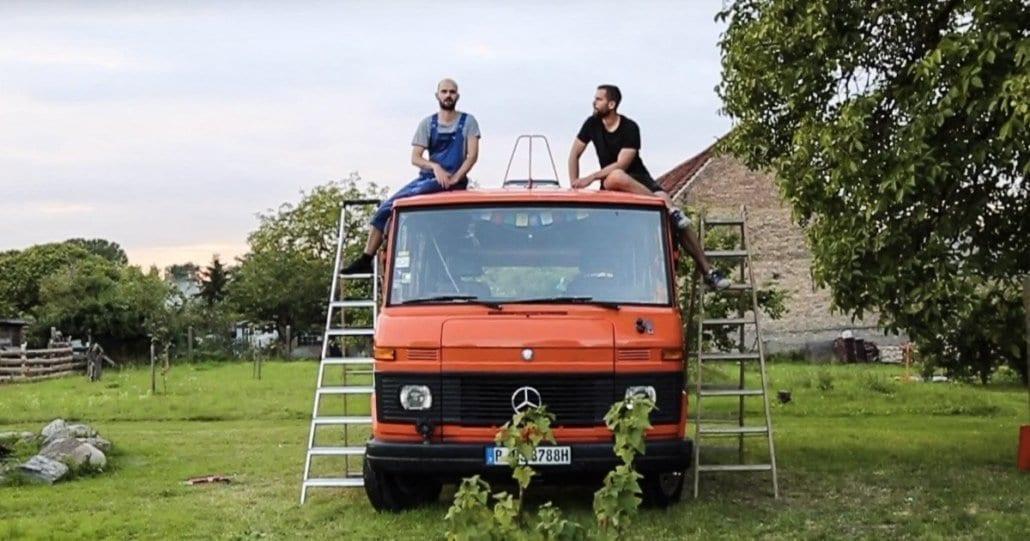 dachluke-wohnmobil-dachhaube-fiamma-fritz-berger-wohnwagen-dachfenster-vanlife-passport-diary-cover-2