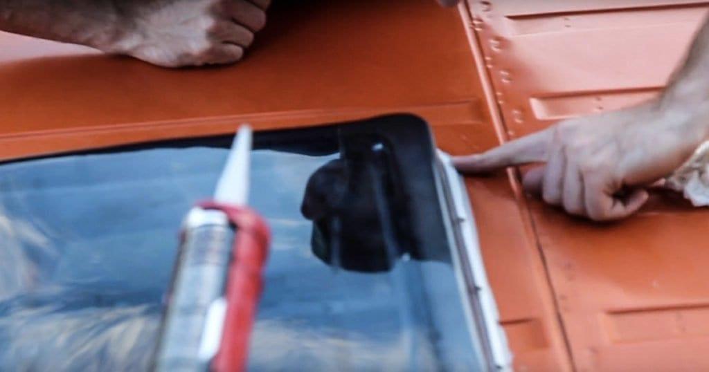 dachluke-wohnmobil-dachhaube-fiamma-fritz-berger-wohnwagen-dachfenster-vanlife-passport-diary-kitten