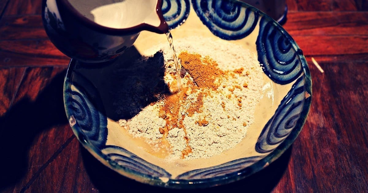brot-in-pfanne-bruschetta-tomatenbrot-kaperbrot-handbrot-indisches-curry-mehl