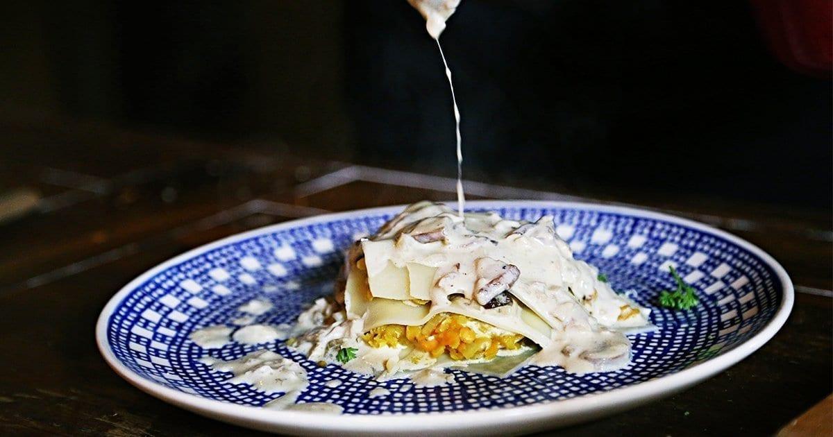 veggie-Lasagne-pilzlasagne-schnellelasagne-einfaches-nudelgericht-linsenrezept-pilzerezept-zubereiten-vegetarisch-perfektes-dinner-2