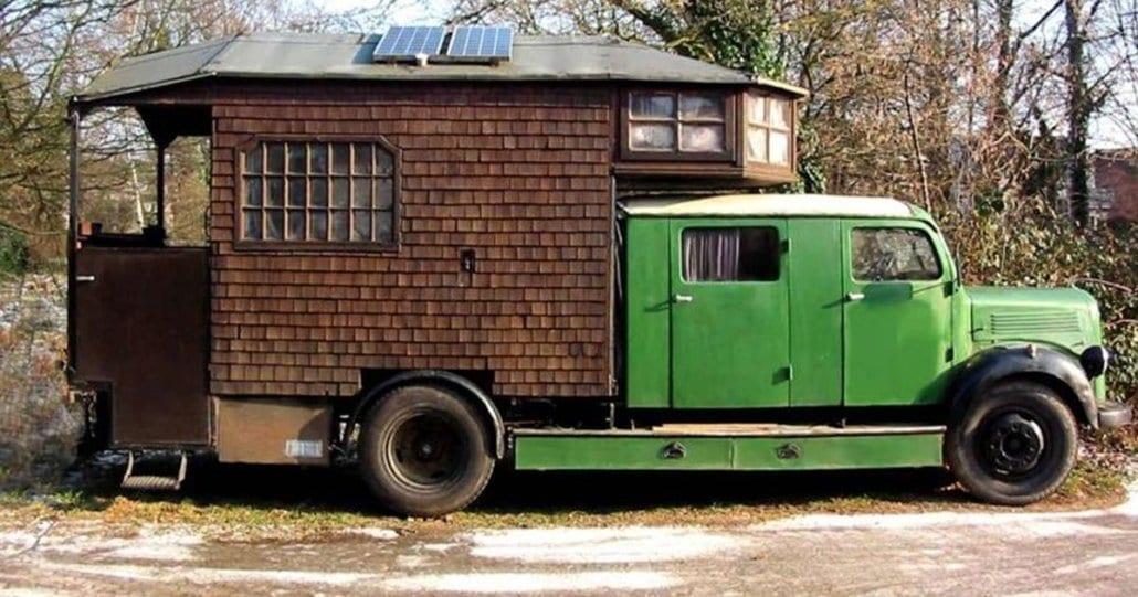 verrueckt-campingbusse-wohnmobile-komische-camper-ungewoehnliche-selbstausbauten-diy-camperausbau-wohnwagen-ausbau-vanlife-conversion-cover
