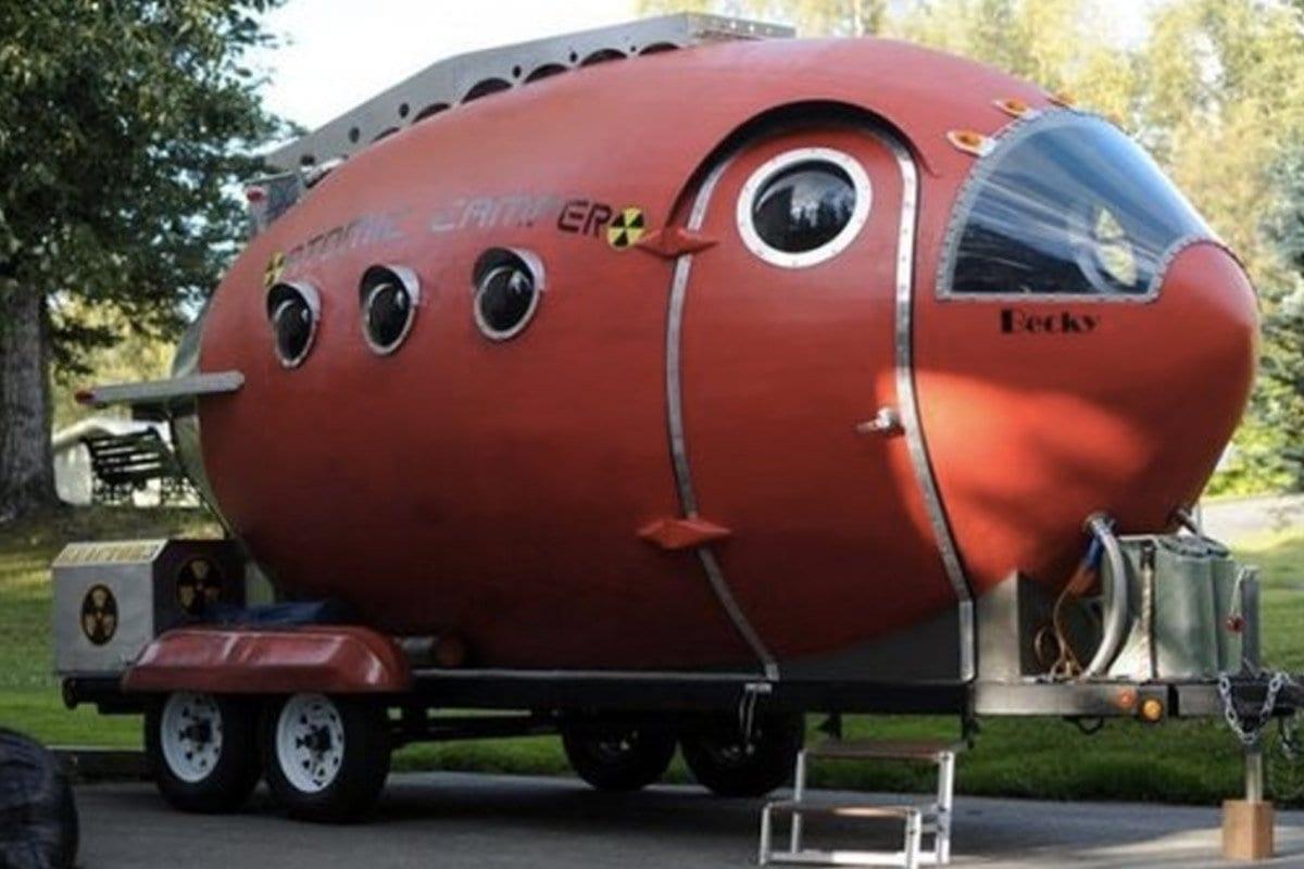 verrueckte-campingbusse-wohnmobile-komische-camper-ungewoehnliche-selbstausbauten-diy-camperausbau-wohnwagen-ausbau-vanlife-conversion-18