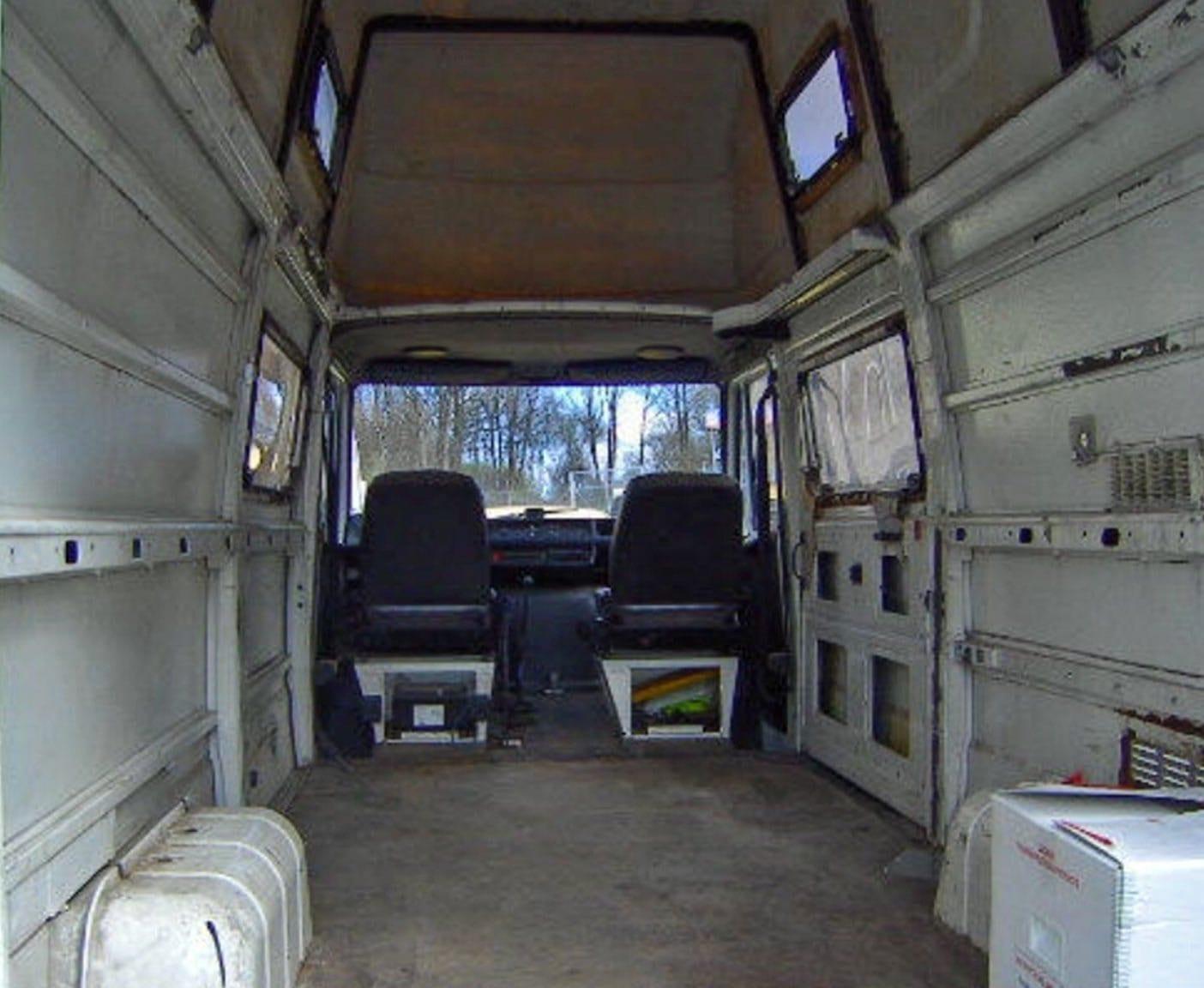 Mercedes Benz Transporter     D   D