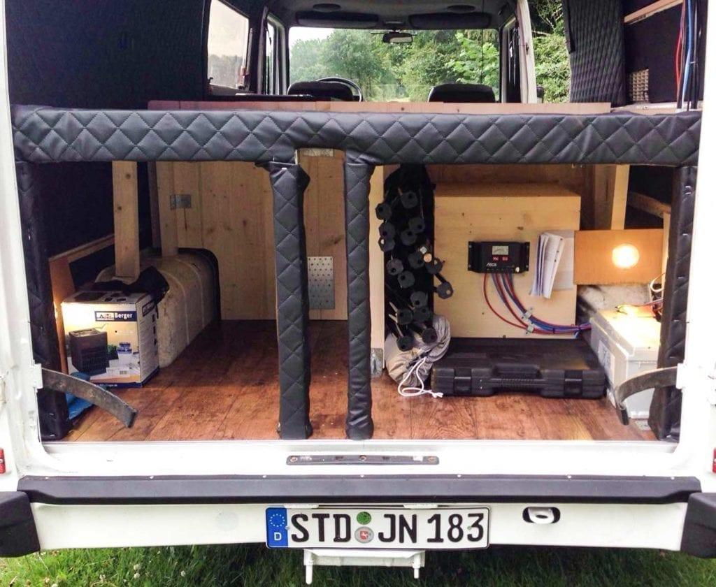 mercedes-benz-T1-207d-207-wohnmobil-kaufen-schwachstellen-ausbau-selbstausbau-motor-technische-daten-ersatzteile11
