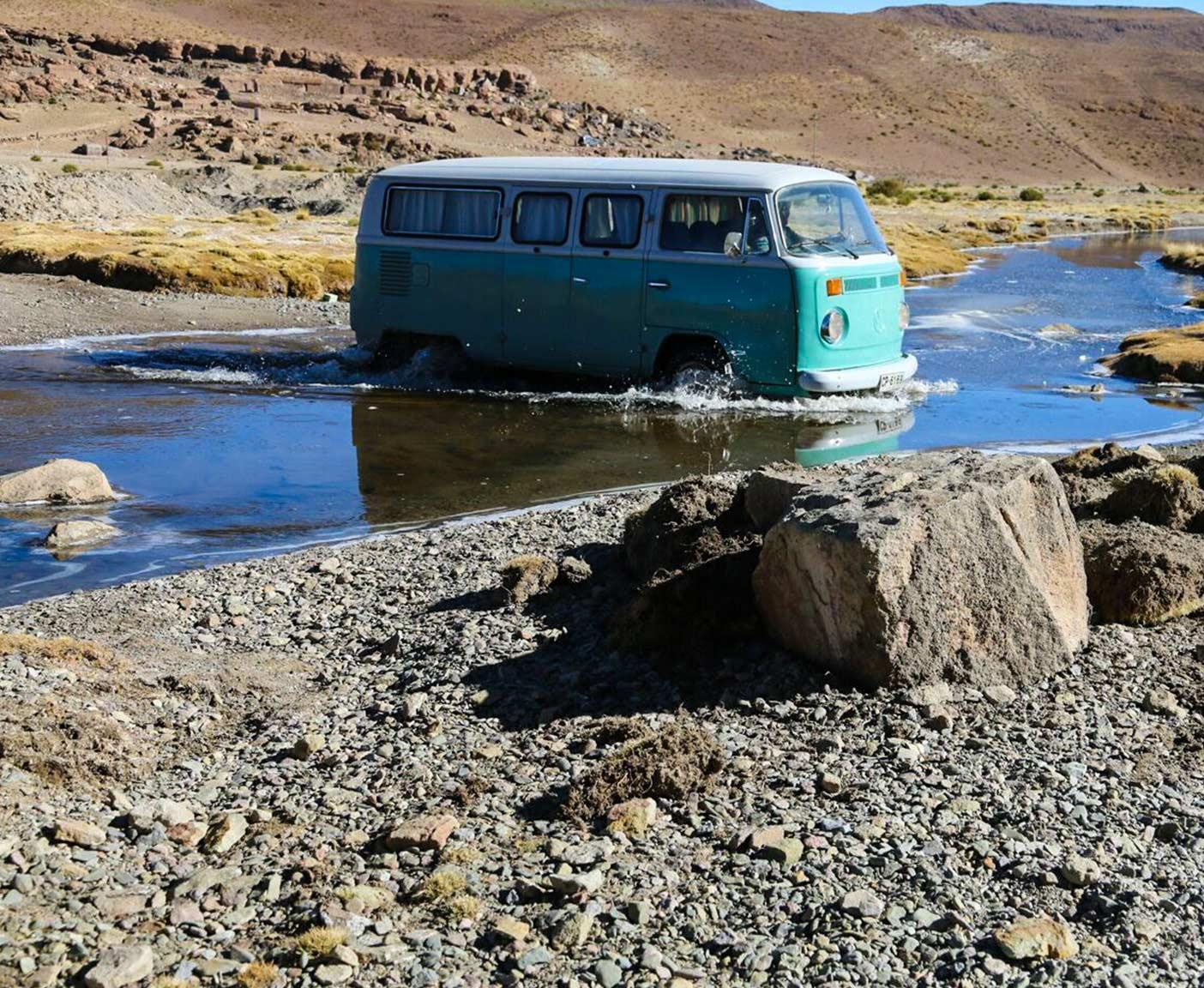 vw-t2-bus-bulli-kaufen-volkswagen-transporter-oldtimer-bully-camper-westfalia-van-i-come-around-doka-gebraucht-samba-14