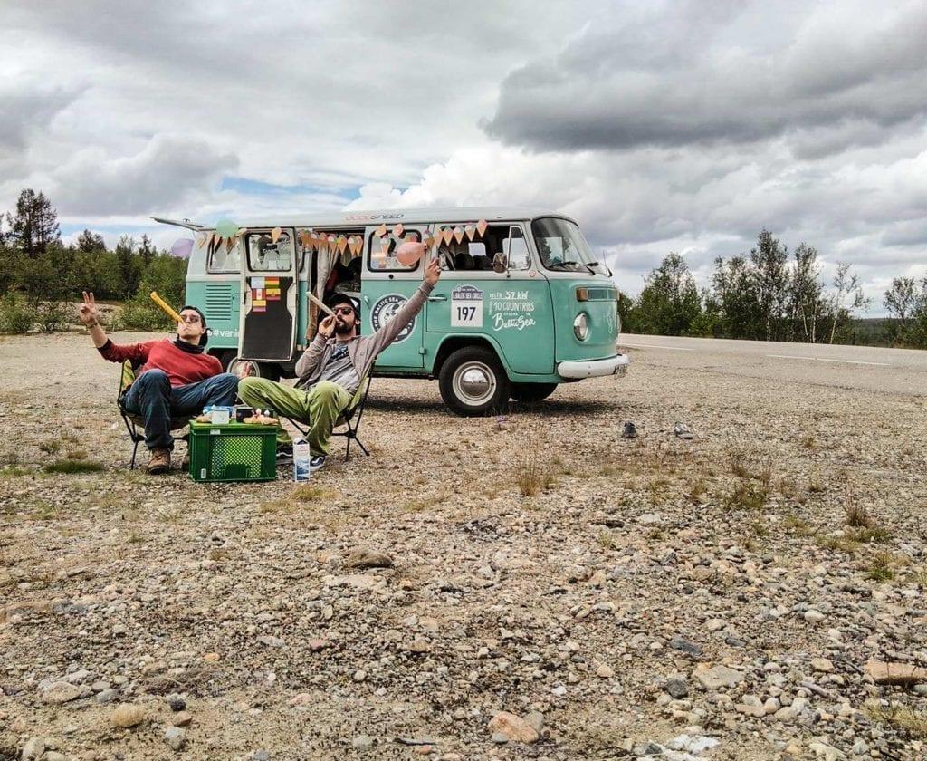 vw-t2-bus-bulli-kaufen-volkswagen-transporter-oldtimer-bully-camper-westfalia-van-i-come-around-doka-gebraucht-samba-9