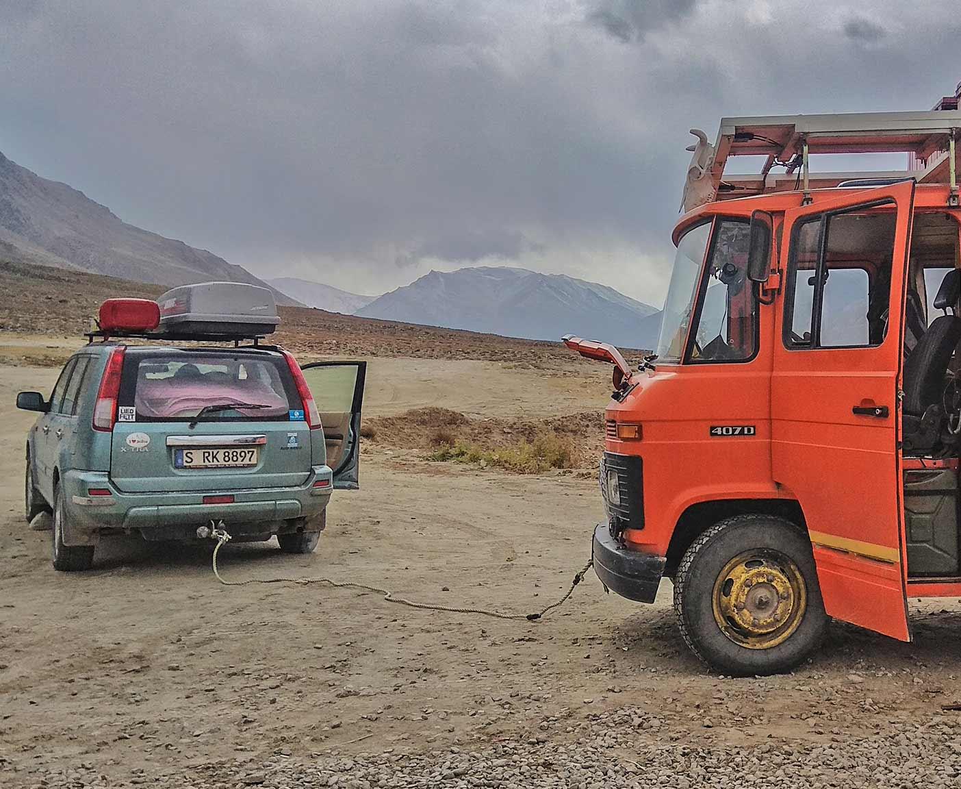 guenstige-expeditionsfahrzeuge-mobilw-offroad-gelaendegaenig-wohnmobil-nissan-xtrail-4x4-allrad-gebraucht-1