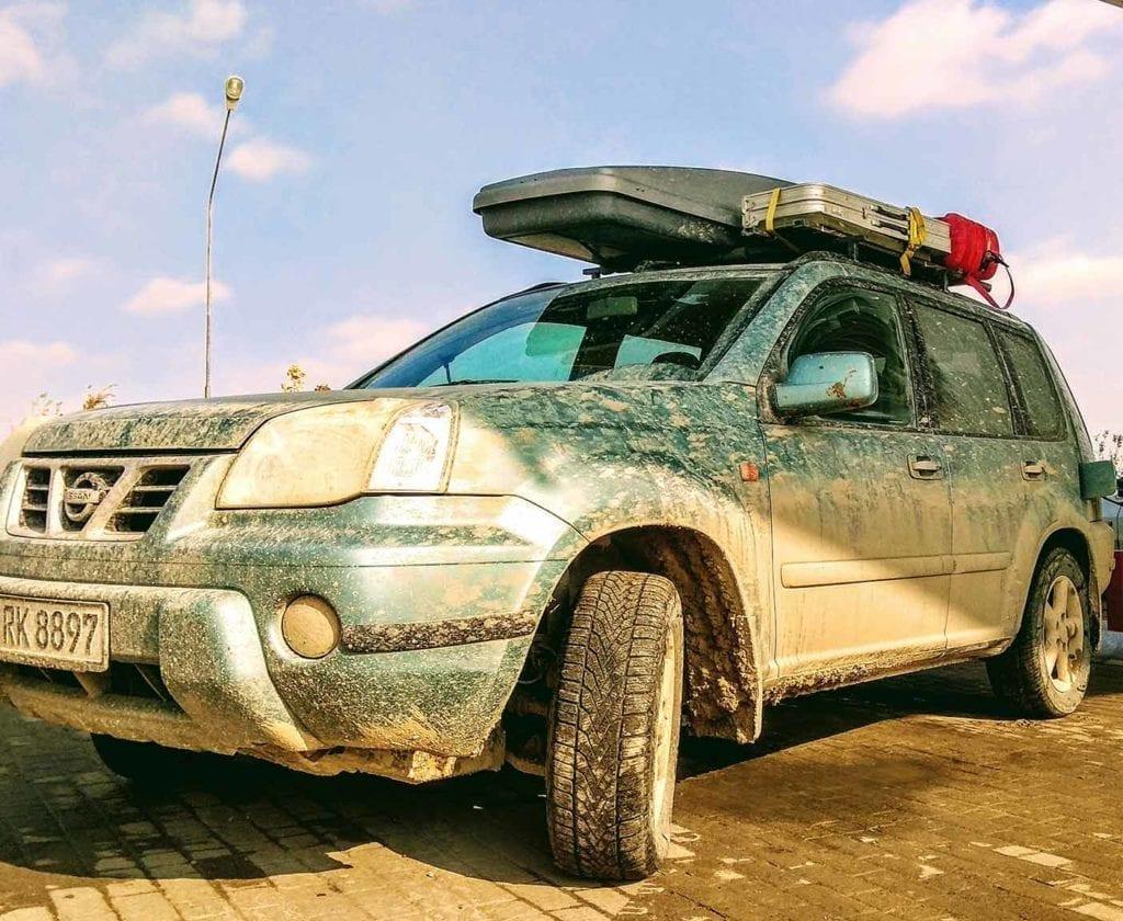 guenstige-expeditionsfahrzeuge-mobilw-offroad-gelaendegaenig-wohnmobil-nissan-xtrail-4x4-allrad-gebraucht-16