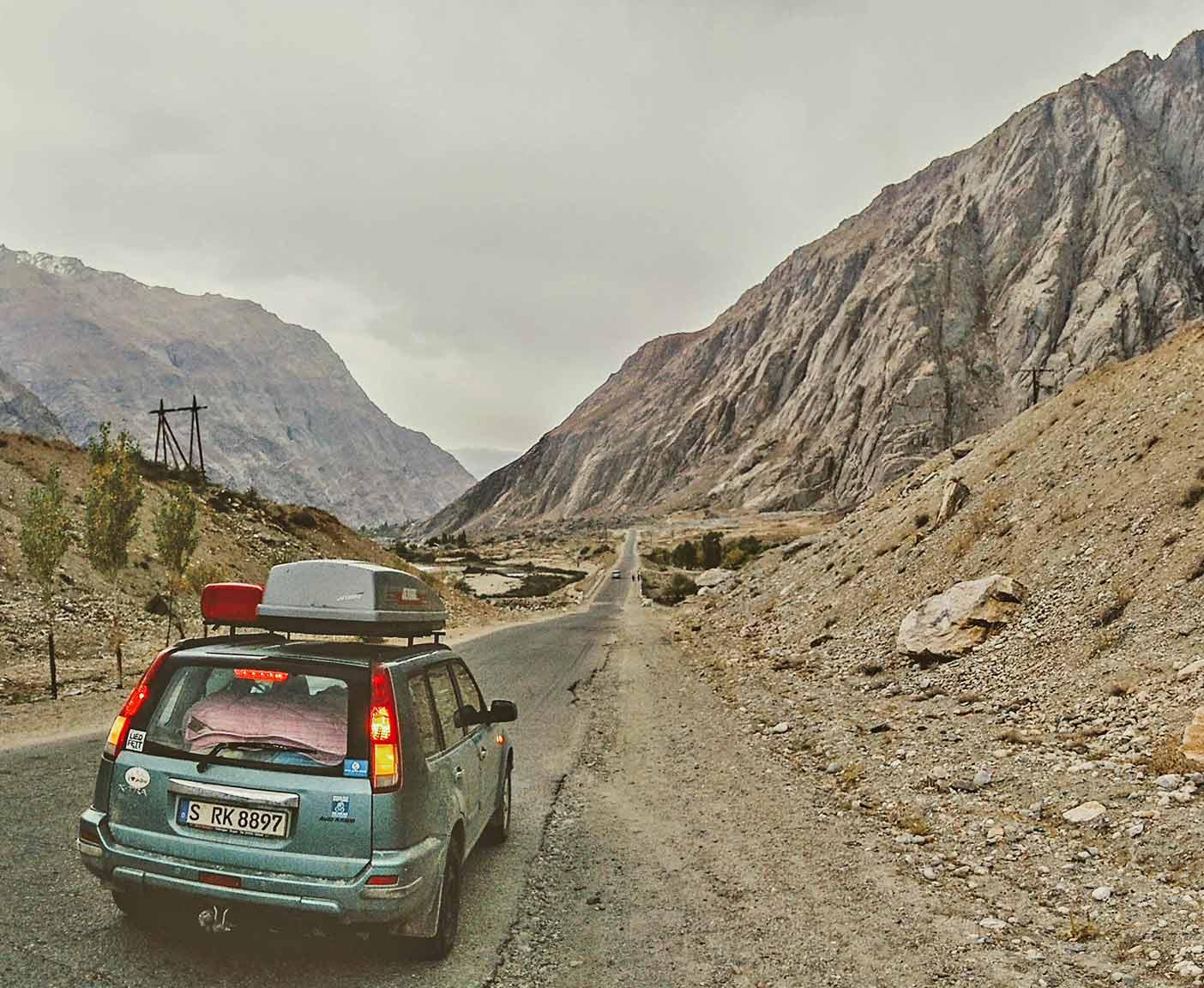 guenstige-expeditionsfahrzeuge-mobilw-offroad-gelaendegaenig-wohnmobil-nissan-xtrail-4x4-allrad-gebraucht-17