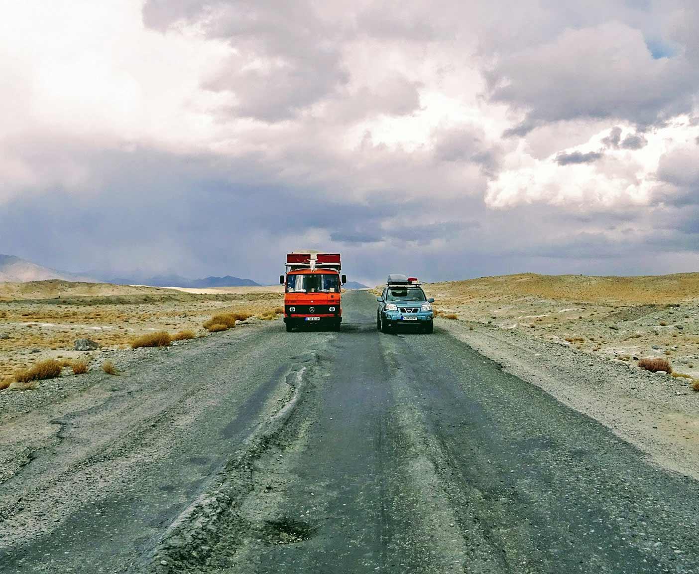 guenstige-expeditionsfahrzeuge-mobilw-offroad-gelaendegaenig-wohnmobil-nissan-xtrail-4x4-allrad-gebraucht-3