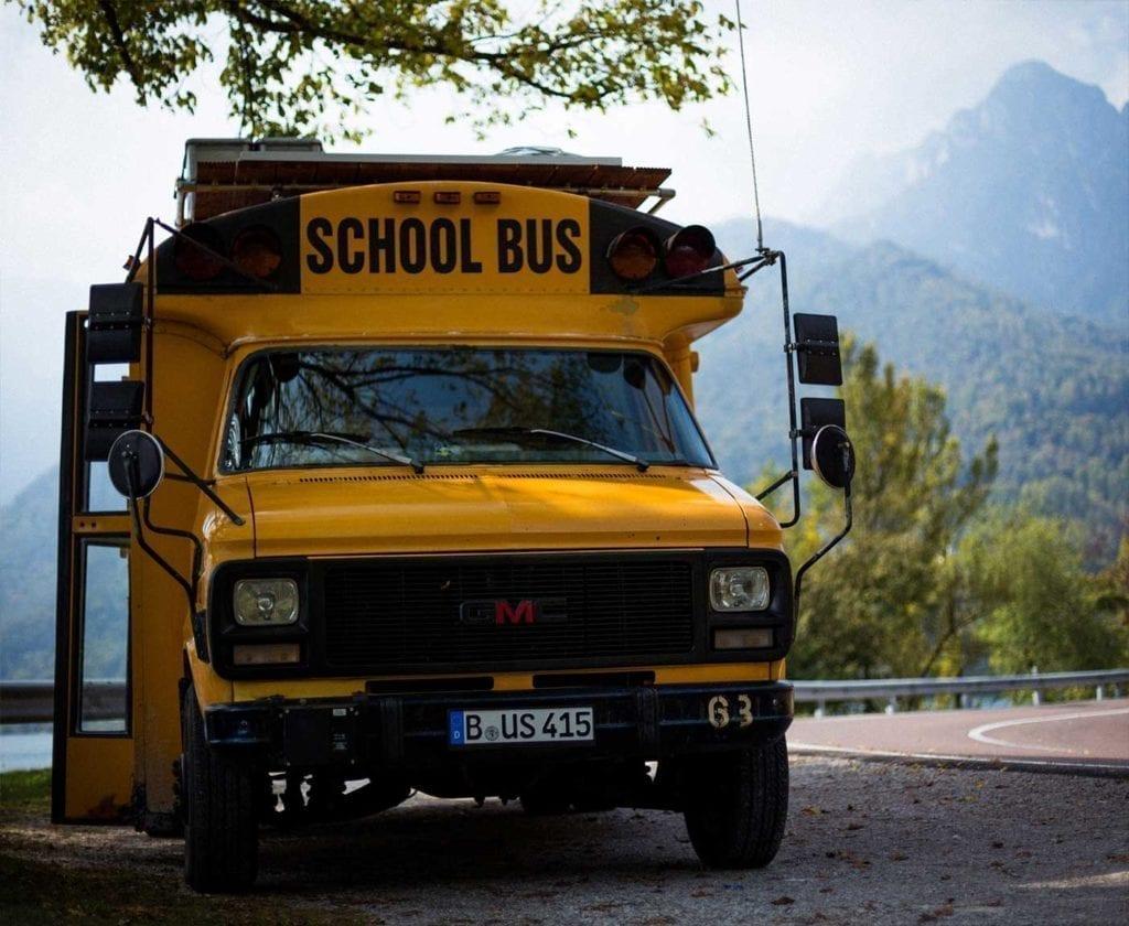 schulbus-us-wohnmobil-amerikanischer-bus-expedition-happiness-selbstausbau-camper-skoolies-travelbybus-16