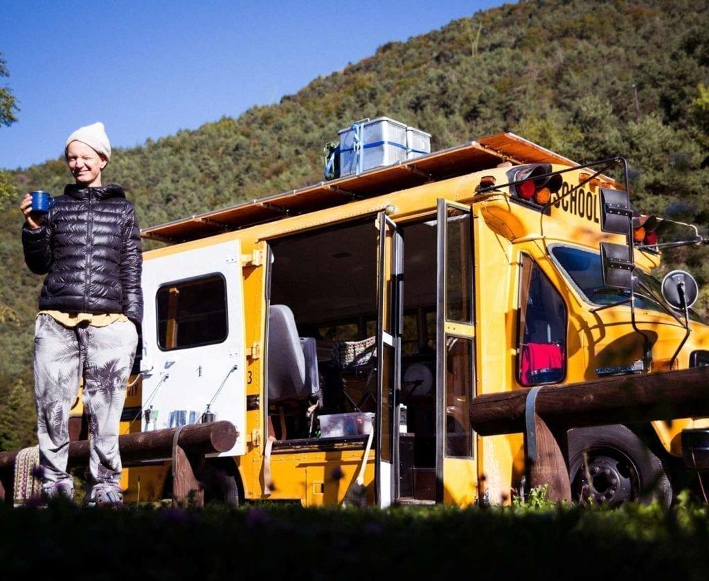 schulbus-us-wohnmobil-amerikanischer-bus-expedition-happiness-selbstausbau-camper-skoolies-travelbybus-19