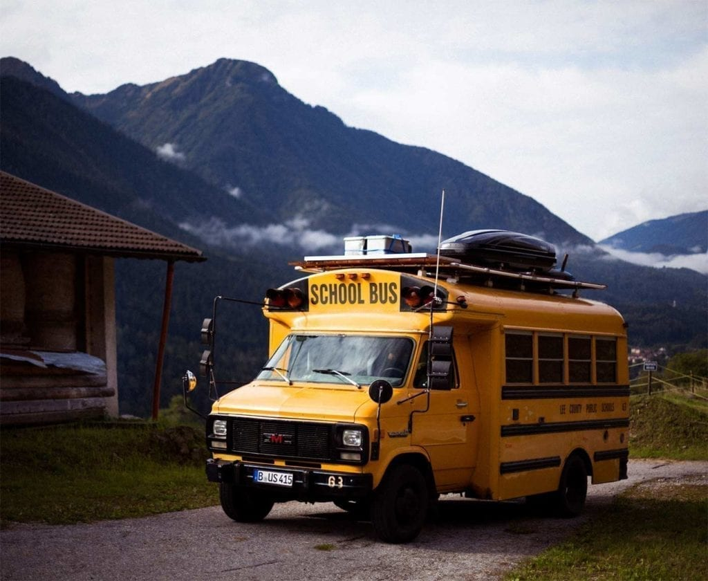 schulbus-us-wohnmobil-amerikanischer-bus-expedition-happiness-selbstausbau-camper-skoolies-travelbybus-23