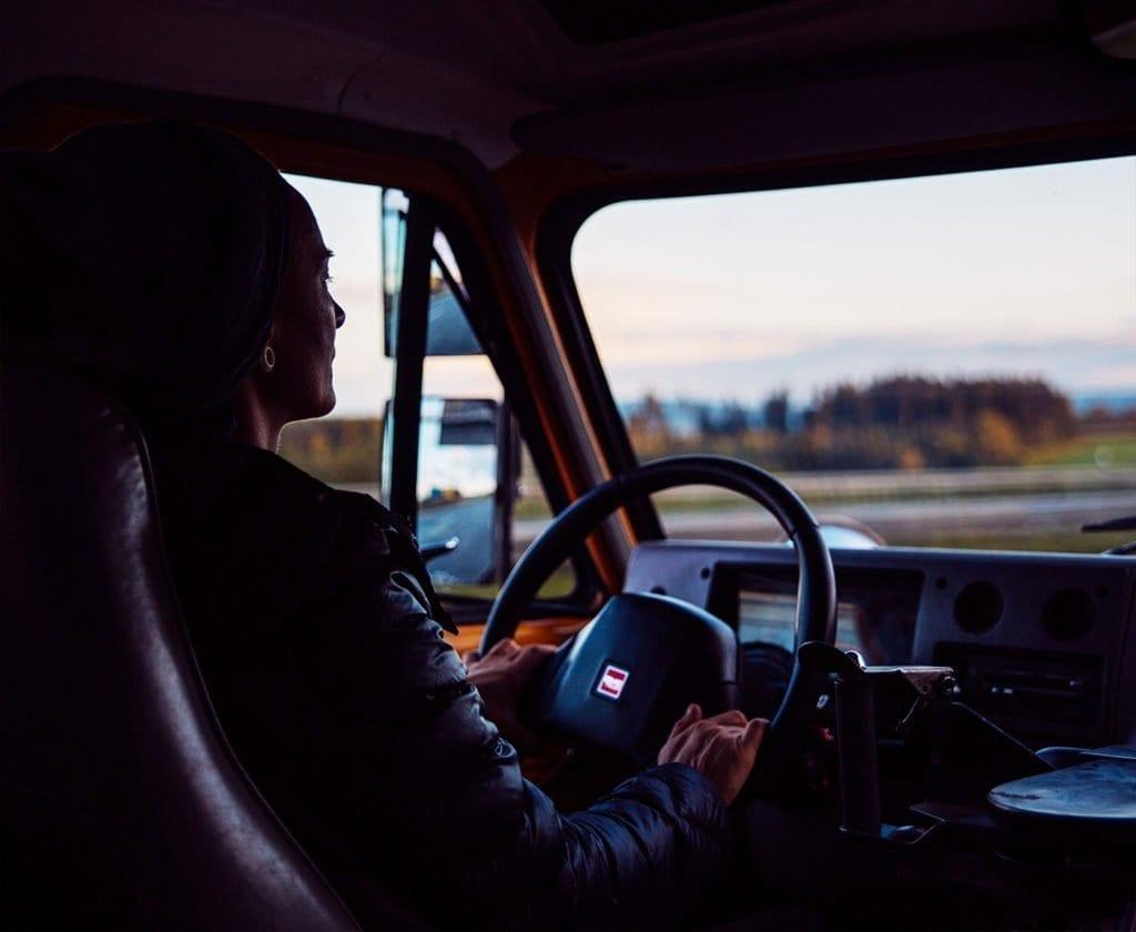 schulbus-us-wohnmobil-amerikanischer-bus-expedition-happiness-selbstausbau-camper-skoolies-travelbybus-6