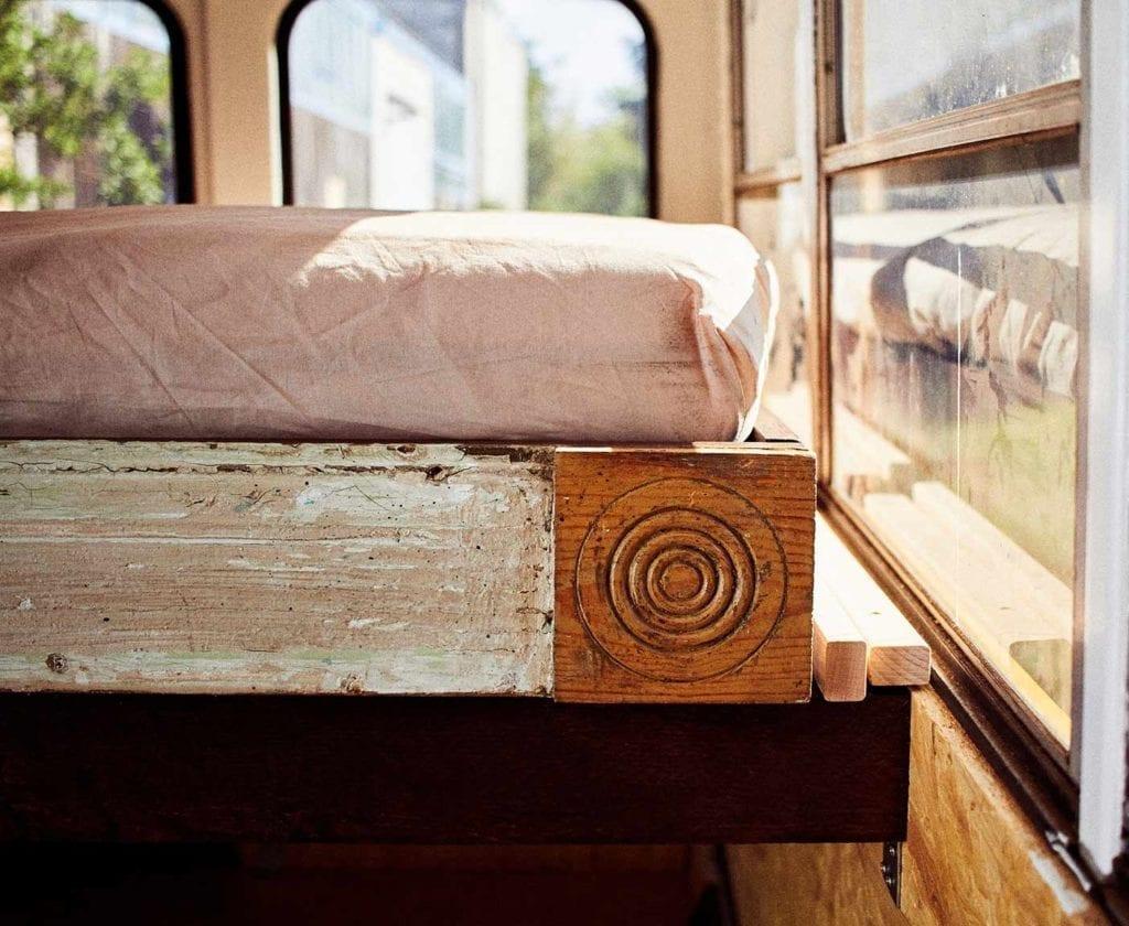 schulbus-us-wohnmobil-amerikanischer-bus-expedition-happiness-selbstausbau-camper-skoolies-travelbybus-8