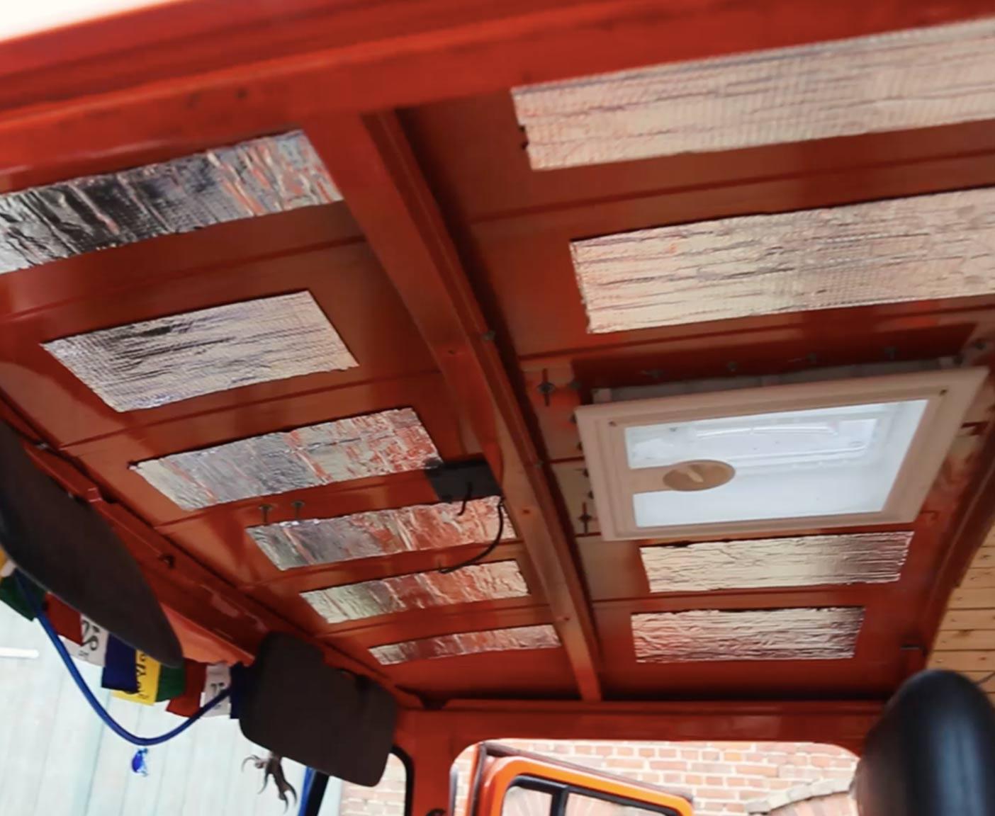 daemmung-isolierung-wohnmobil-armaflex-fahrerhaus-selbstklebend-alubutyl-daemmmaterial-kastenwagen-bus-isolieren-anleitung-1