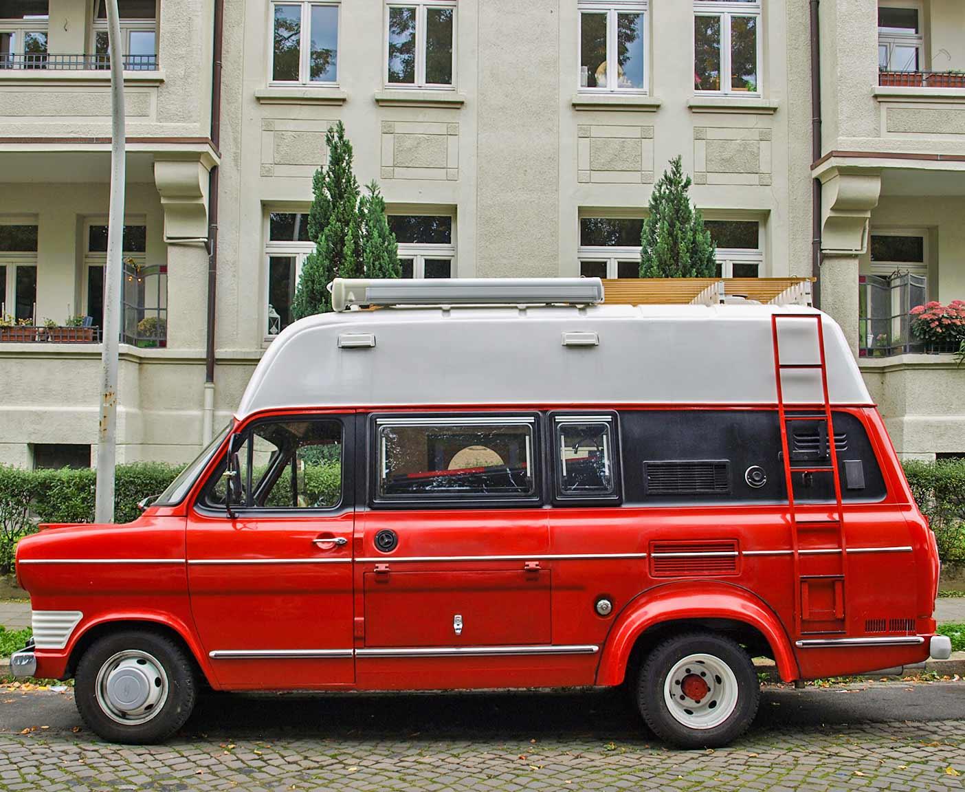 Ford Transit MK9 als Camper - Oldtimer Wohnmobil im Selbstausbau