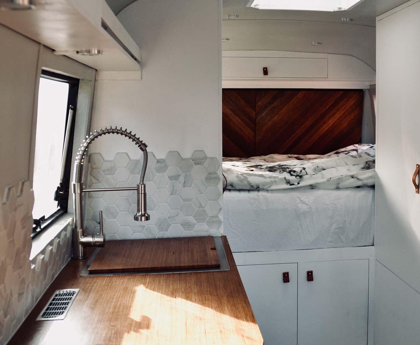 mercedes-407d-wohnmobil-gebraucht-vario-kaufen-basis-benz-14