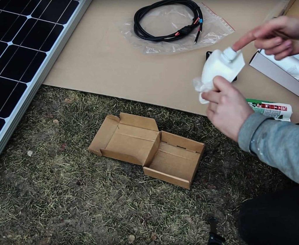 solaranlage-wohnmobil-nachrüsten-schaltplan-berechnen-inklusive-einbau-lomplettset-gebraucht-100w-selber-planen-mobile-einbau-solarpanels-112