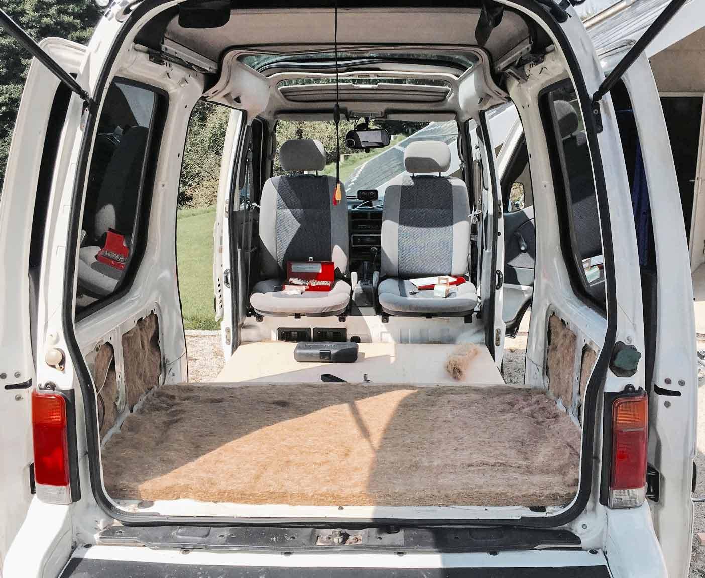 subaru-libero-wohnmobil-umbau-e10-4x4-allrad-camper-minicamper-daihatsu-hijet-piaggio-porter-7