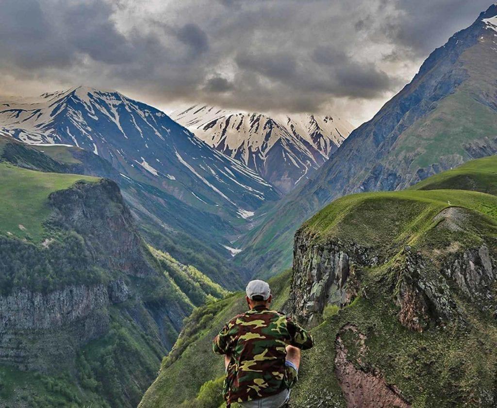 georgien-wohnmobil-erfahrungsbericht-camping-urlaub-preisniveau-tiflis-vanlife-landschaft