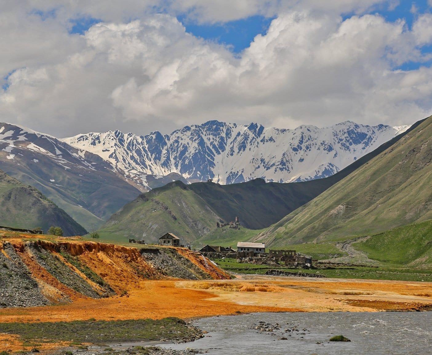 georgien-wohnmobil-erfahrungsbericht-camping-urlaub-preisniveau-tiflis-vanlife-truzo-valley-2