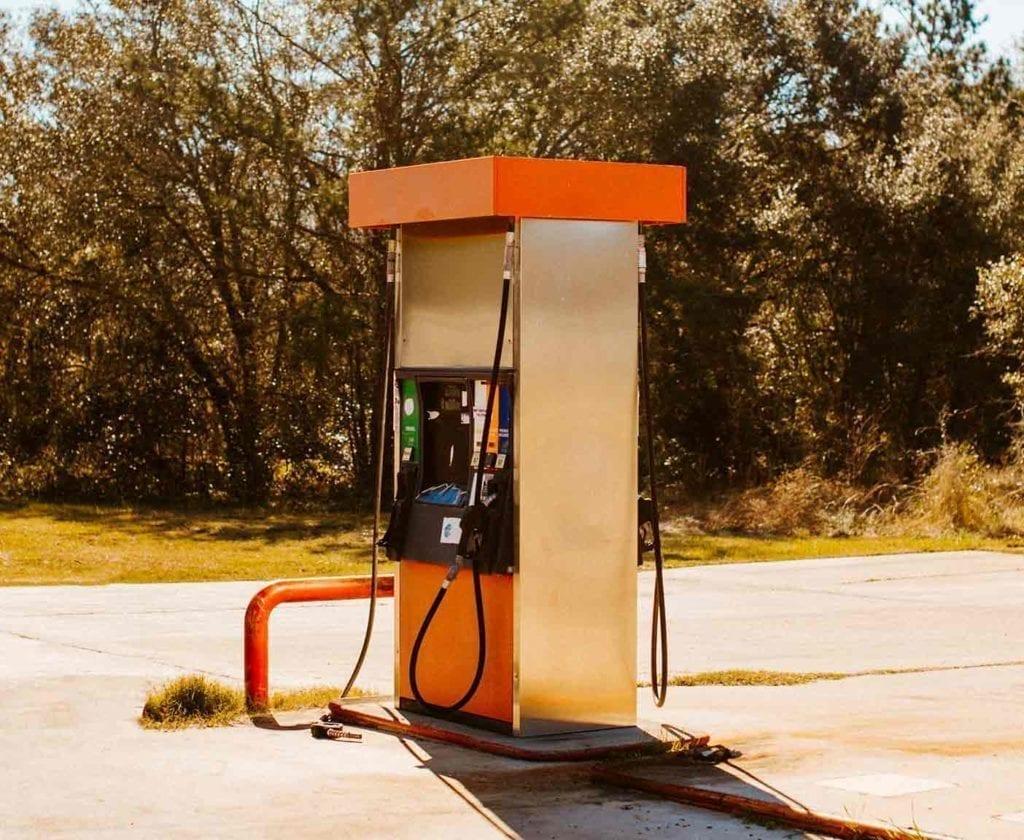 wohnmobil-gas-gasflaschen-tanken-preis-kaufen-transporieren-fahrt-wieviel-lpg-gasanlage-selbst-tanken
