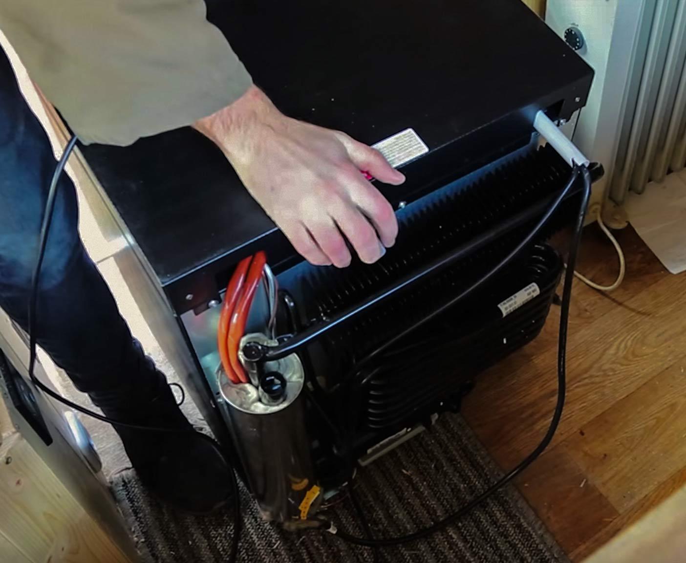 wohnmobil-kühlschrank-12v-230v-kompressor-test-dometic-electrolux-gas-strom-absorber-cover-4