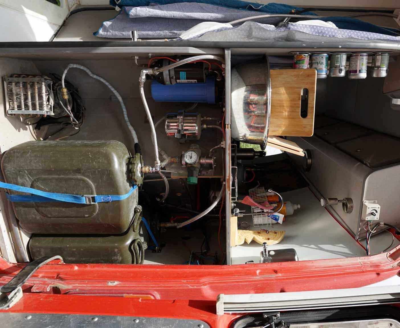 mercedes 4x4 allrad der bremser t1 als expeditionsmobil. Black Bedroom Furniture Sets. Home Design Ideas