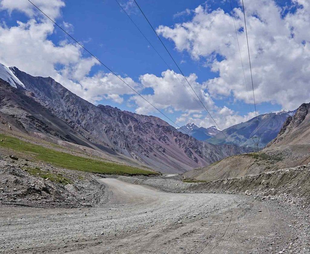 kirgistan-landschaft-natur-bergsteigen-wandern-reise-wohnmobil