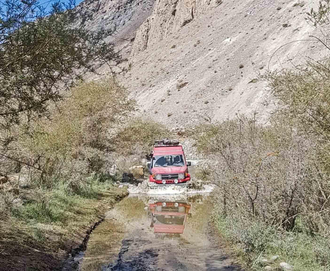 toyota-landcruiser-expedition-hightop
