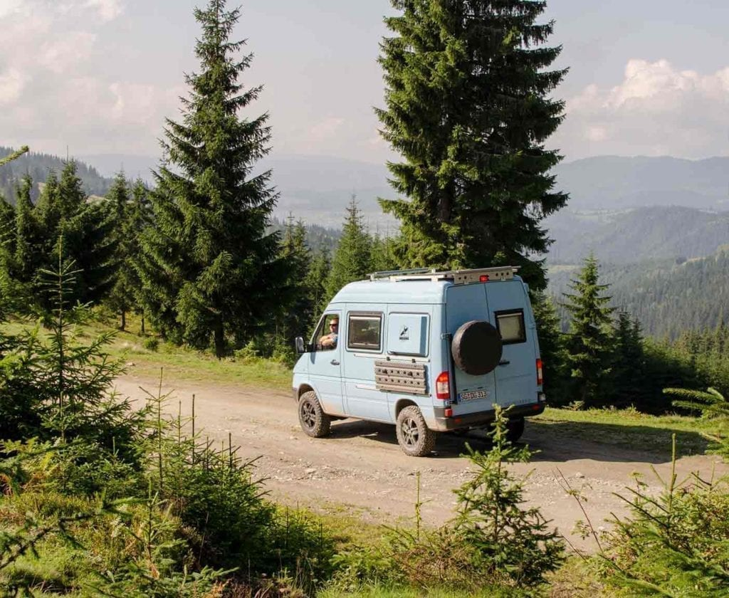 wohnmobil-ausbau-mercedes-sprinter-4x4-cdi-313-fernreisemobil