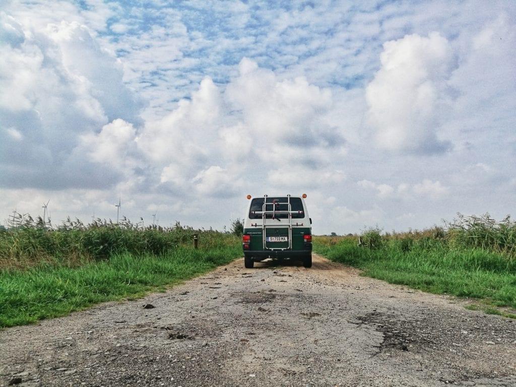 VW T4-Transporter-Malteser-Krankentransport-Volkswagen-gebraucht-Selbstausbau