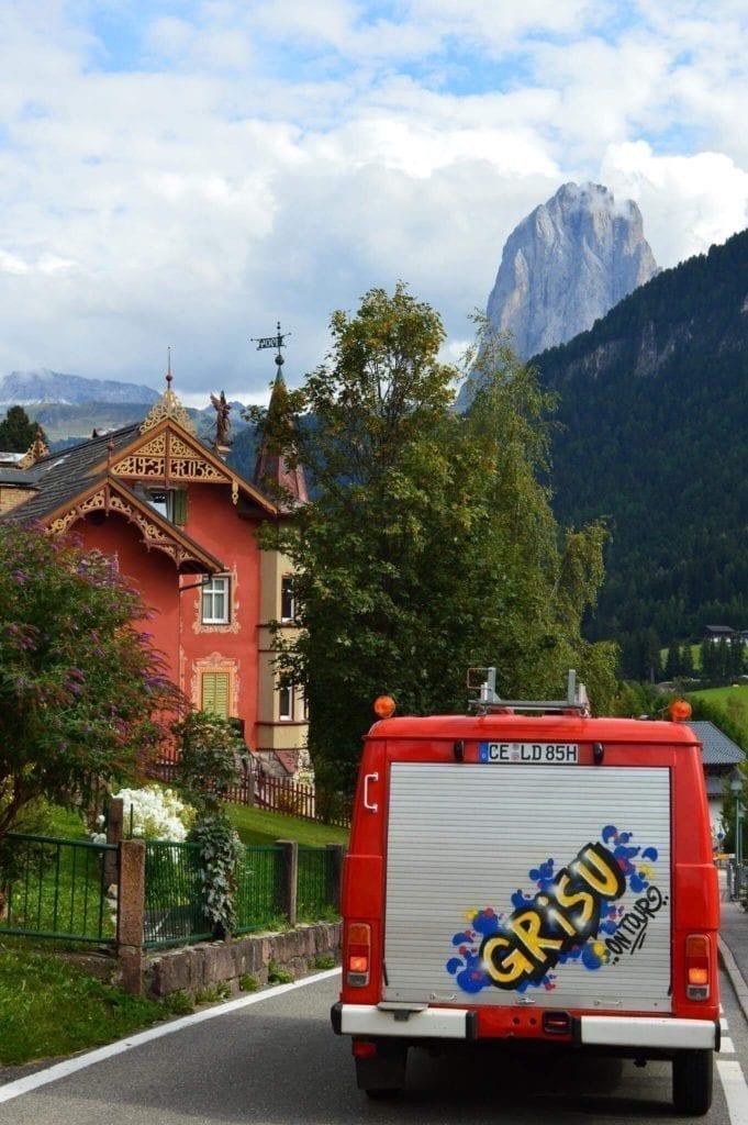 VW-LT-31-Feuerwehr-Camper-Transporter-van-technische Daten-verbrauch-berge-europatrip-grafitti-rolladen