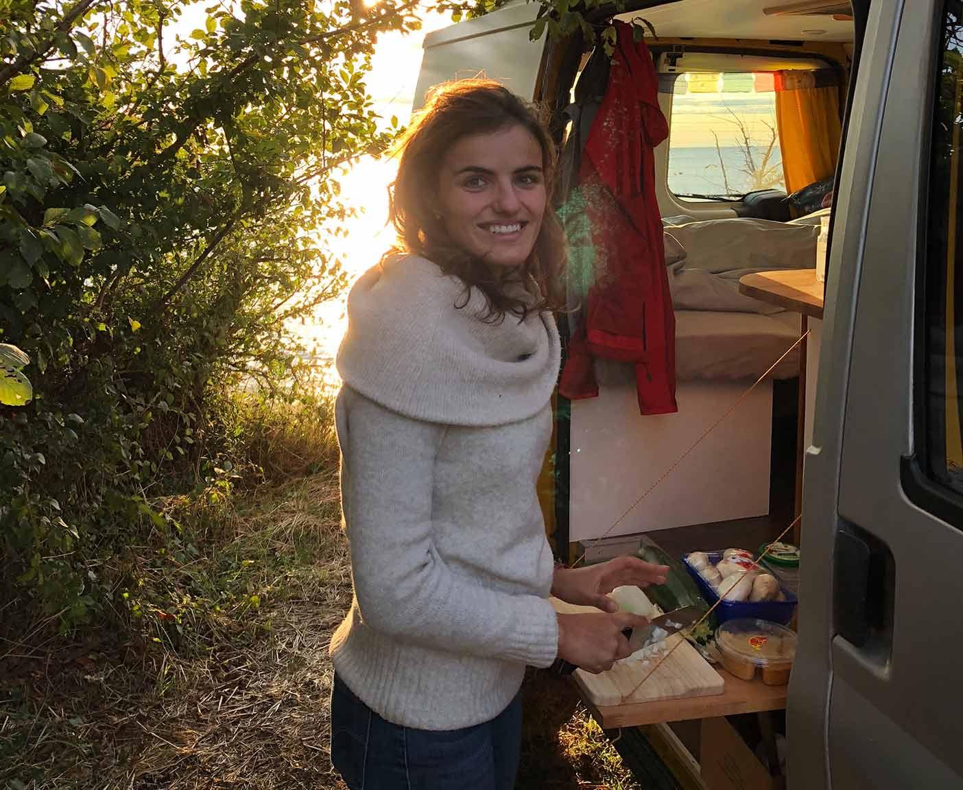 Ford-Transit-van-camper-custom-kochen-gebraucht