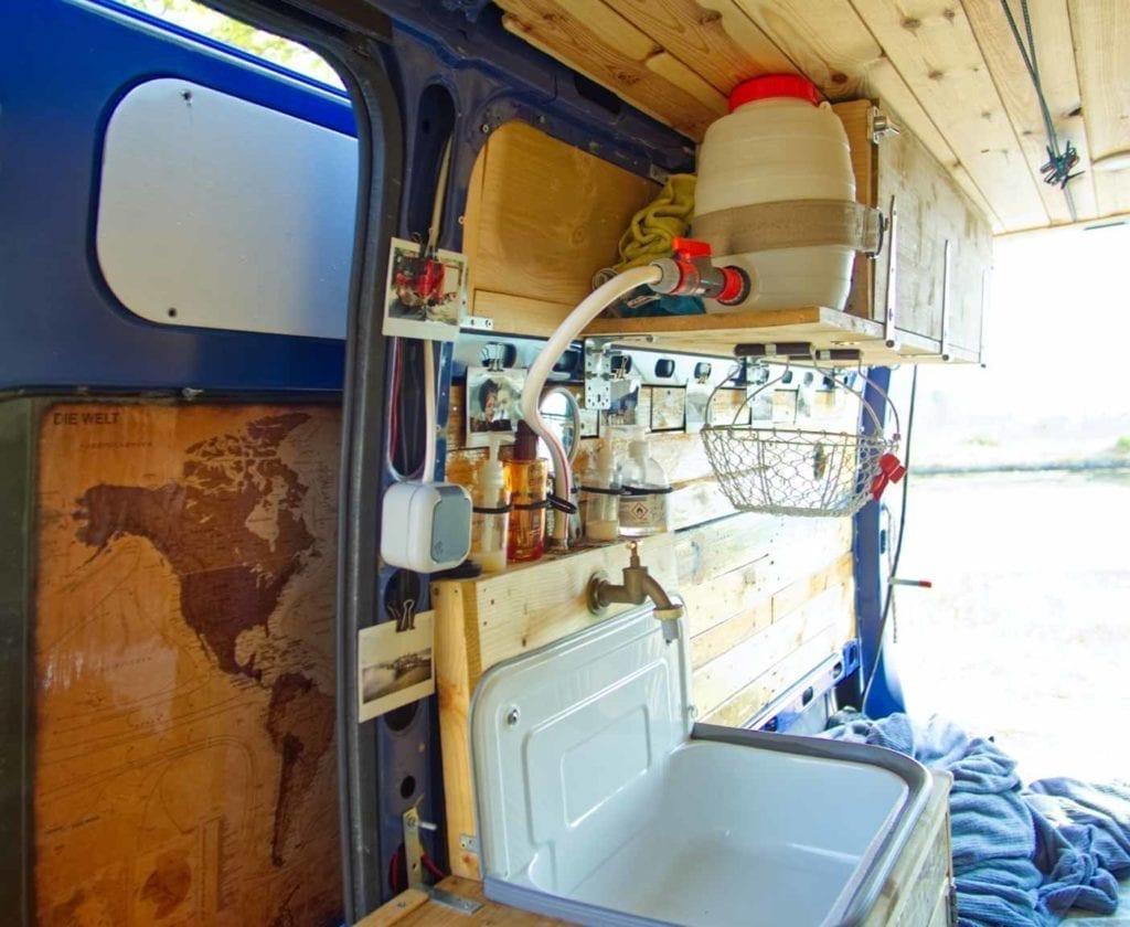 Opel-movano-kastenwagen-bus-küche-selbstausbau-camper
