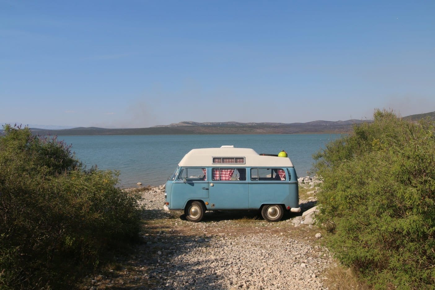 Vw-T2-Bulli-VW-Camper-Van-Campervan-camping-beach-vanlife-vacations