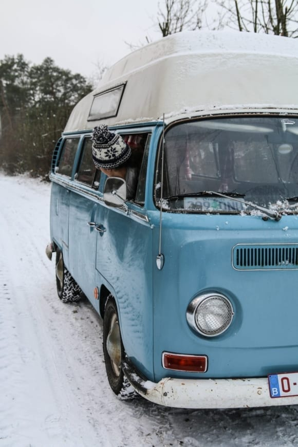 Vw-T2-Bulli-VW-Camper-Van-Campervan-camping-snow-winter-cold