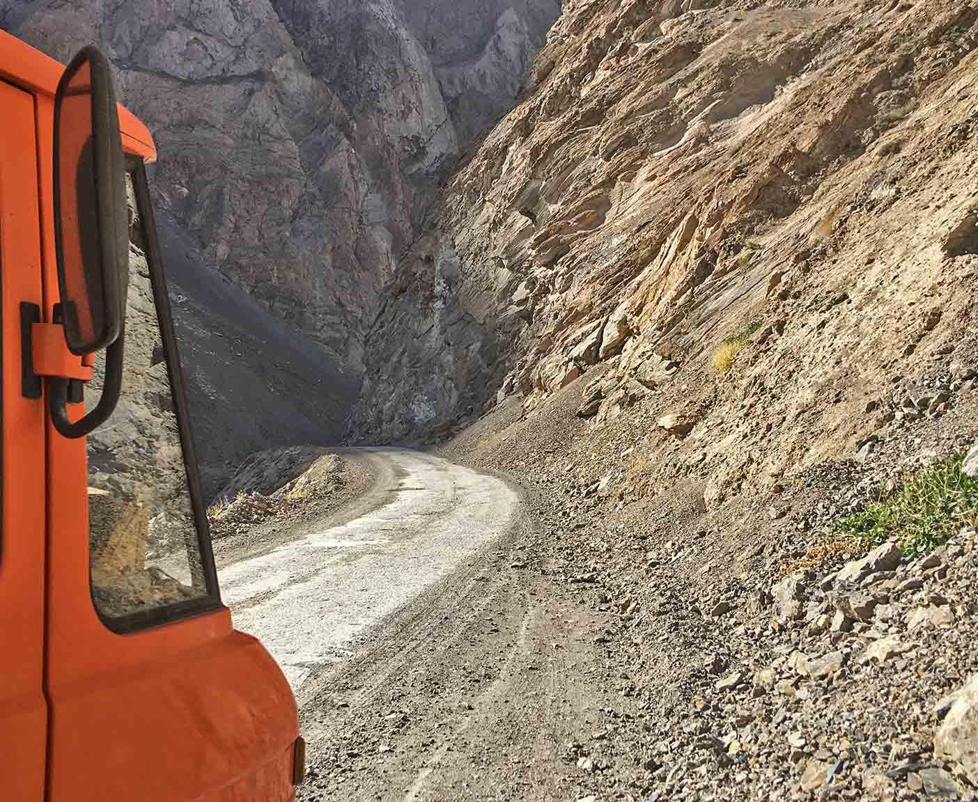 pamir-highway-m41-motorrad-auto-wohnmobil-camper-laenge-kyrgyzstan-guide-2017-2018-2019-china-afghanistan-korogh-2
