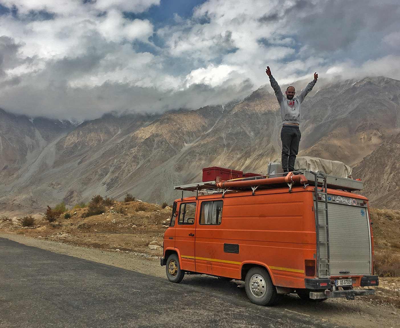 pamir-highway-m41-motorrad-auto-wohnmobil-camper-laenge-kyrgyzstan-guide-2017-2018-2019-china-afghanistan-korogh-4