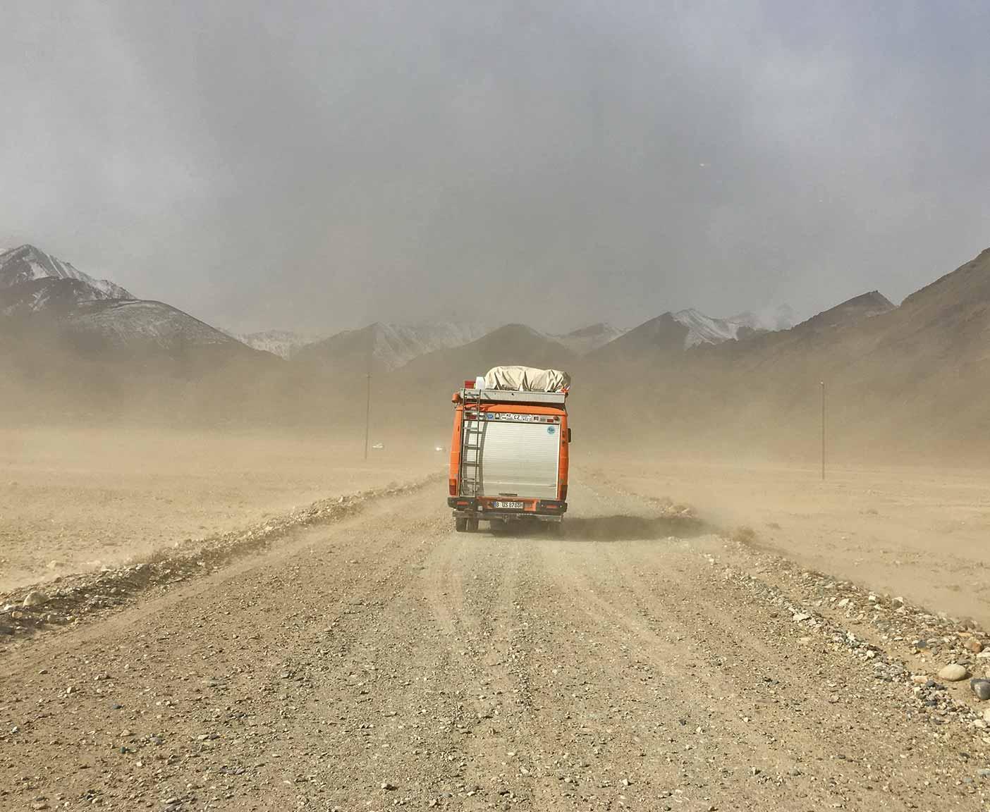 pamir-highway-m41-motorrad-auto-wohnmobil-camper-laenge-kyrgyzstan-guide-2017-2018-2019-china-afghanistan-korogh-5