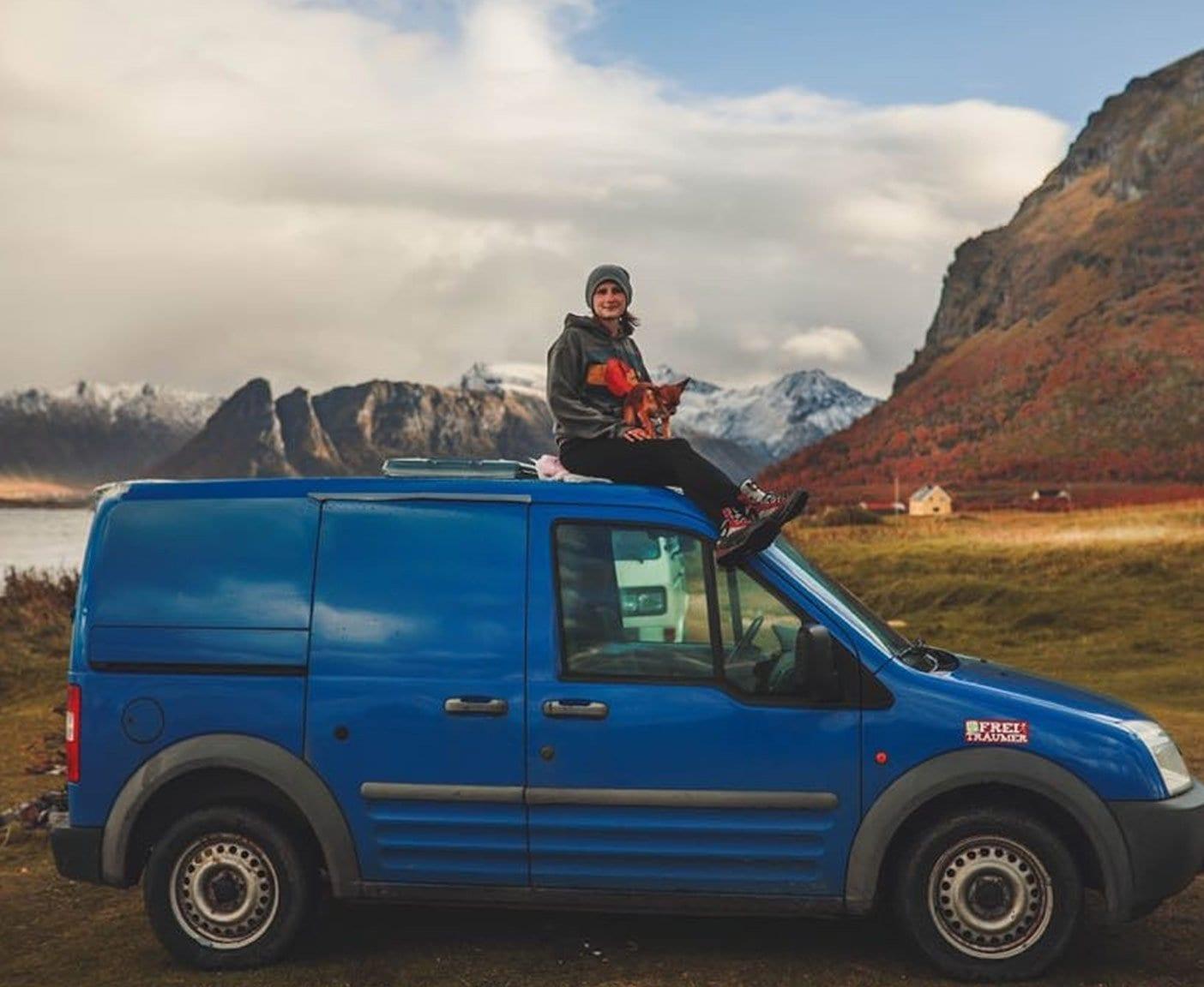 Ford-transit-connect-ladeflÑche-camper-l2-norwegen-frau-alleine-mikro-camper