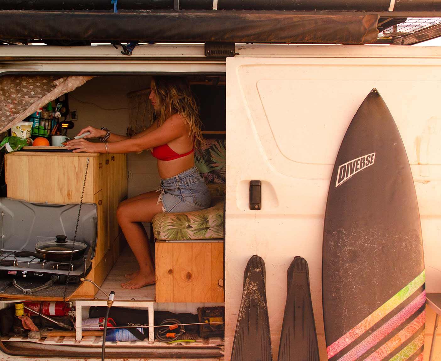 Toyota-hiace-camper-4x4-van-camping-surfer-vanlife-australia