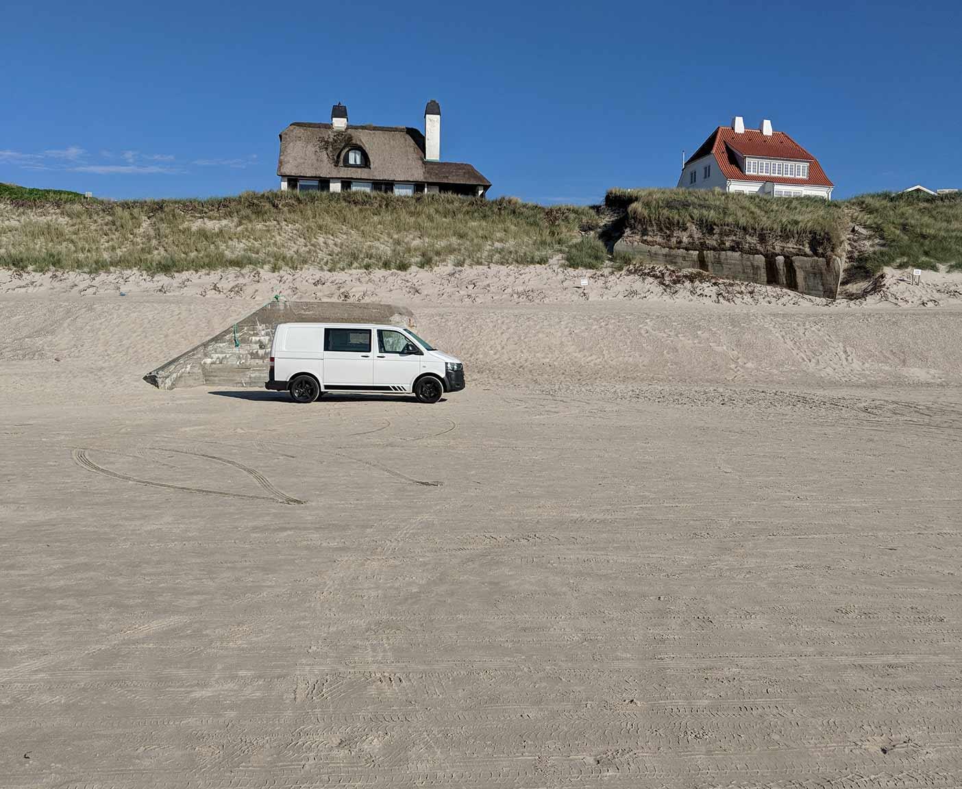 VW-T5-multivan-camper-caravelle-europatrip-van-strand-wild-campen