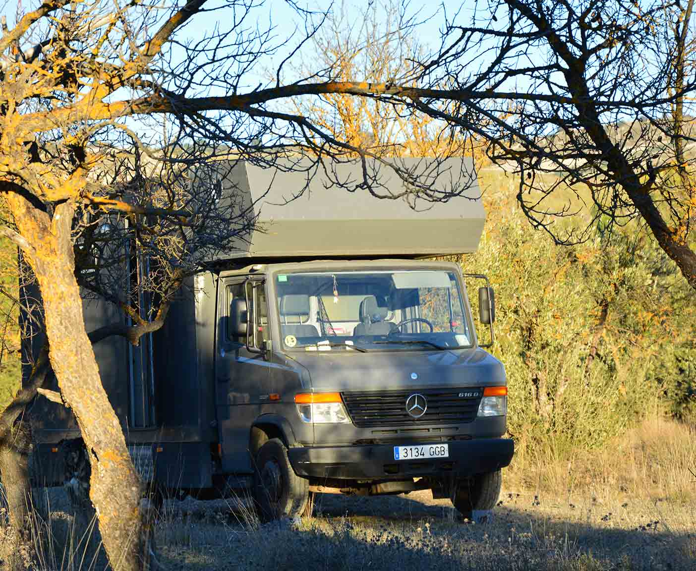 Mercedes-vario-kastenwagen-616-d-wohnmobil-camper-nachfolger
