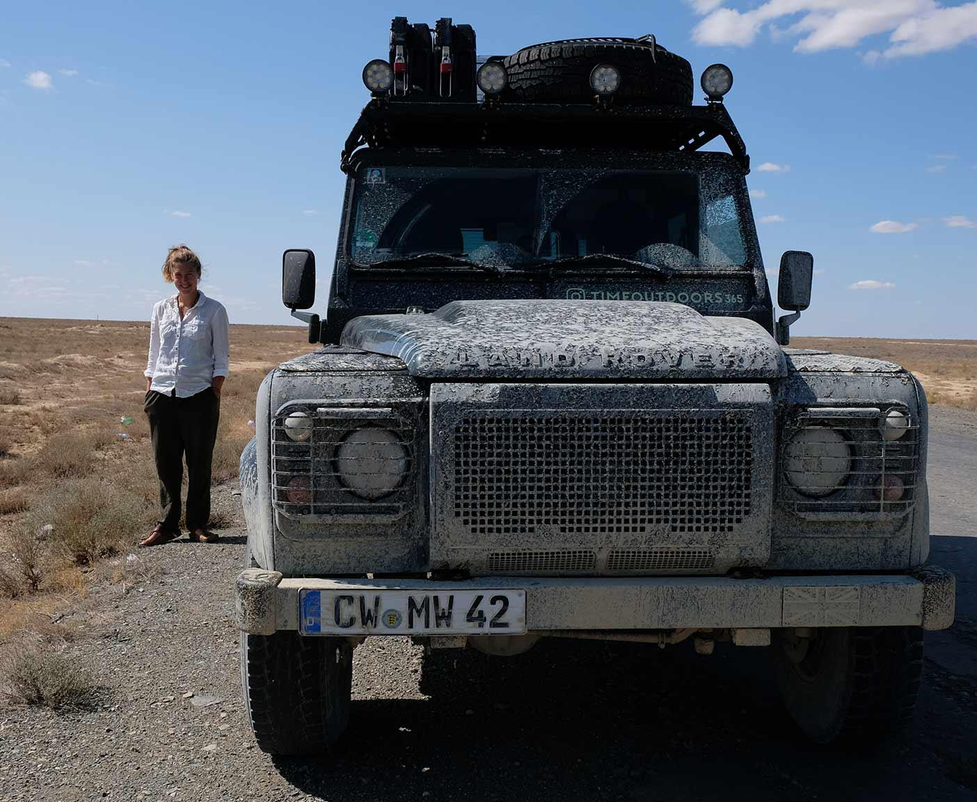 Land-Rover-Defender-110-td5-dachzelt-hard-top-zentralasien-station-wagon