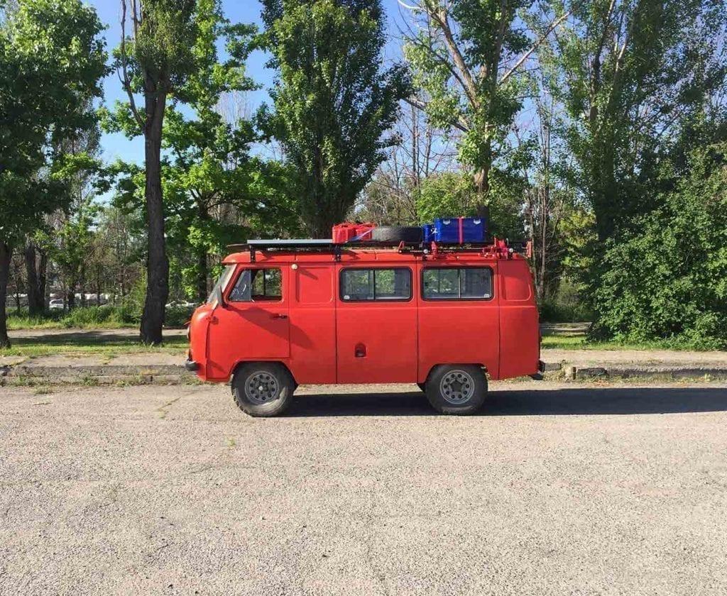UAZ-452-hunter-patriot-deutschland-bus-bulli-russland